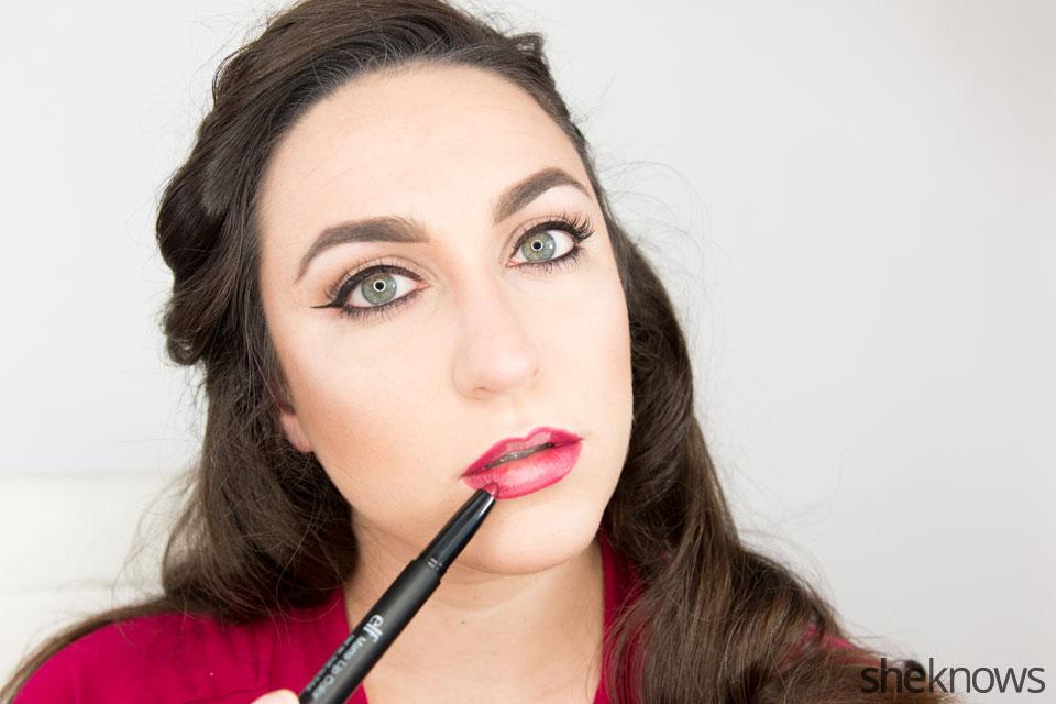 Classic Wonder Woman makeup tutorial: Step 8