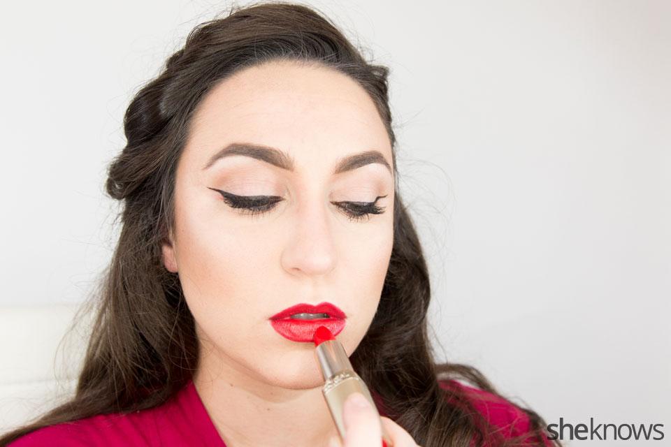 Classic Wonder Woman makeup tutorial: Step 9