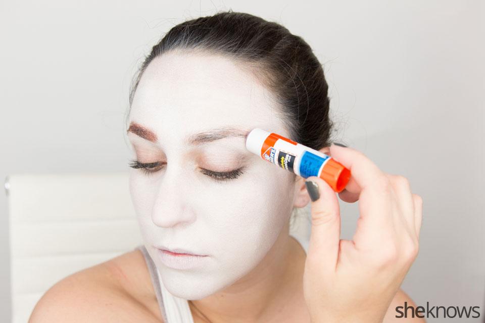 American Horror Story Halloween makeup: Step 3