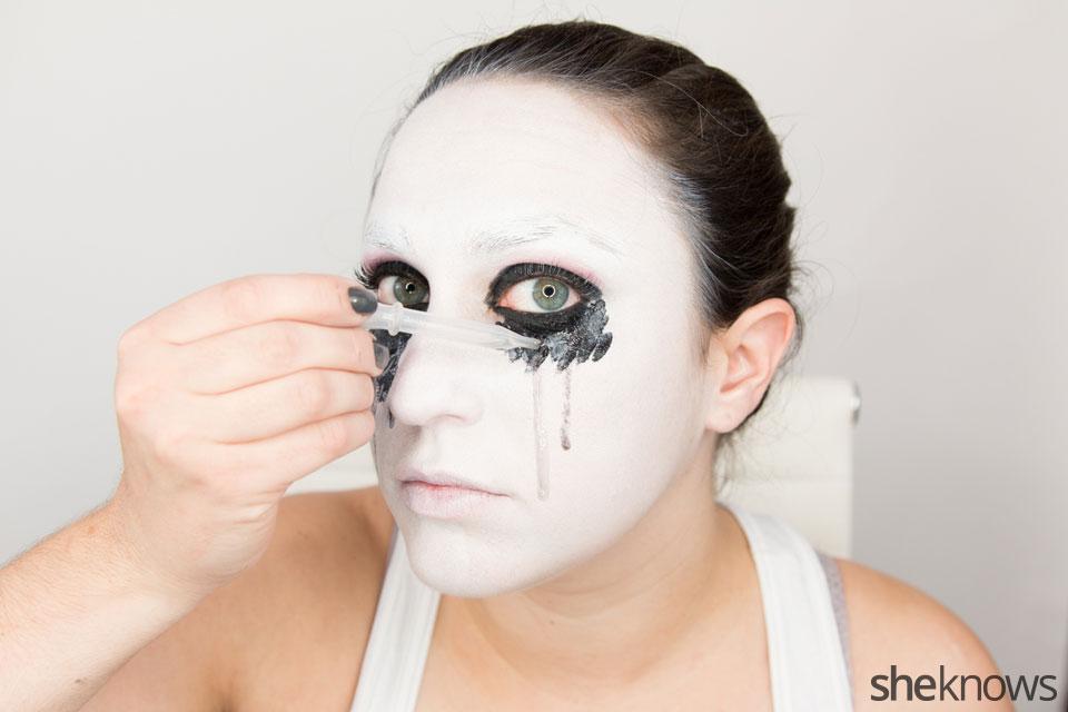 American Horror Story Halloween makeup: Step 10