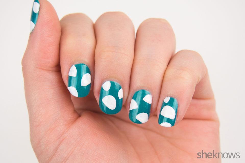 DYI tiny tacos nail art: Step 2