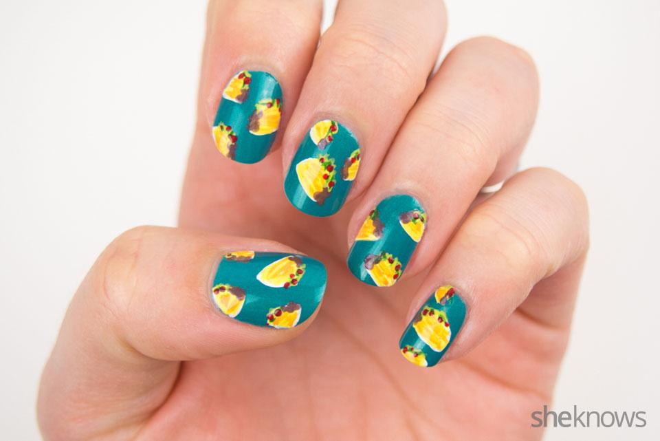 DYI tiny tacos nail art: Step 4