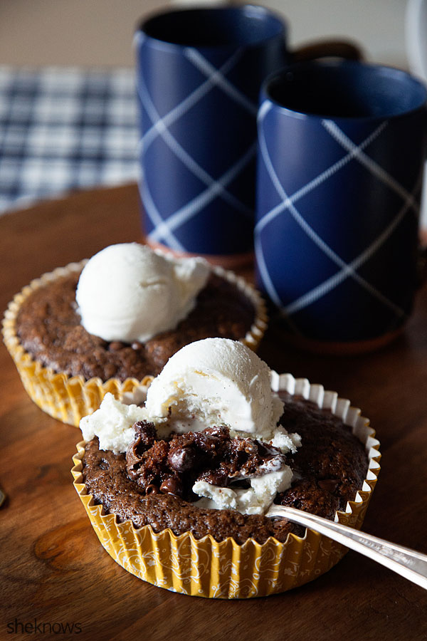 Chocolate oatmeal cake is an adorable muffin-sized treat