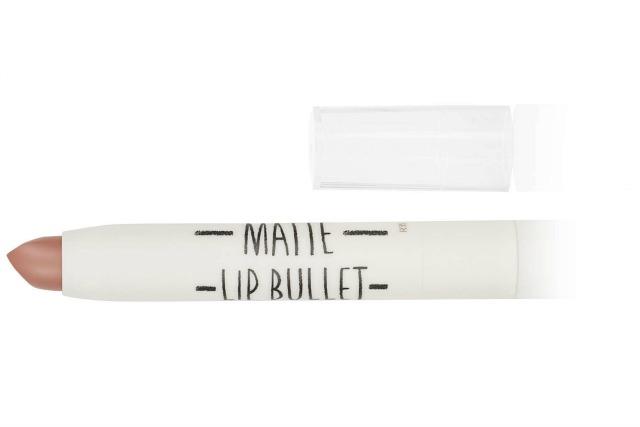 Get Adele makeup look