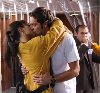 Chuck gets smooched by Jordana Brewster