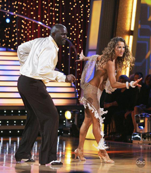 Lawrence and Edyta boogie down