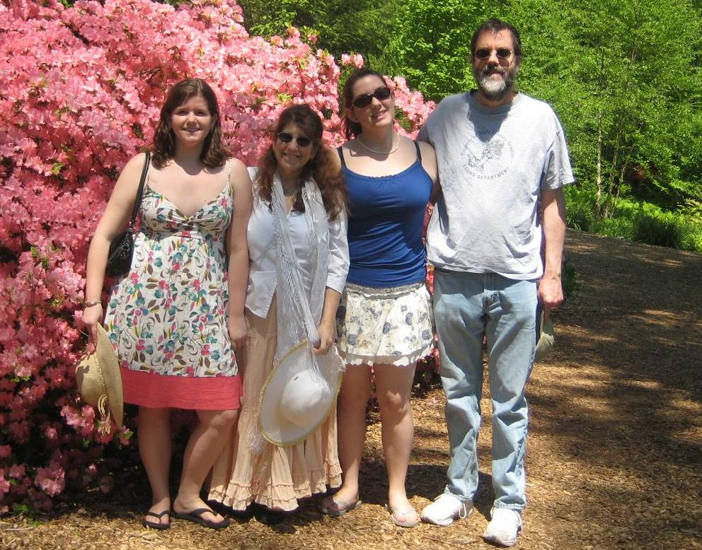 Bone marrow disease patient Ellen Cole and family