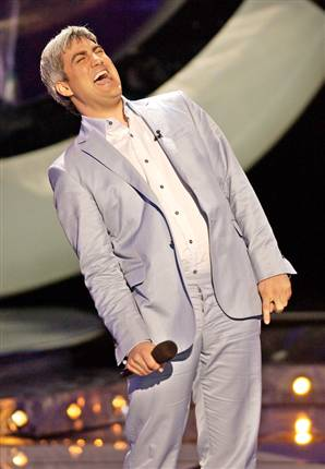 Taylor Hicks singing on Idol