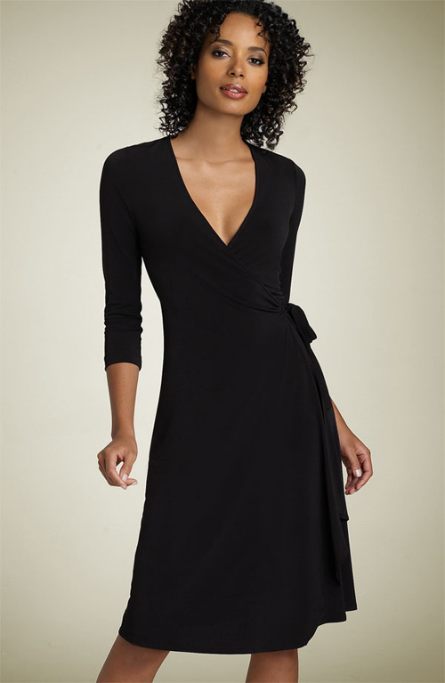 Wrap yourself up in all the right ways, it's time to make a party entrance in one of our seriously swoon-worthy wrap dresses. From cleavage-enhancing crossovers to modest midi wrap dresses - we have a wrap style for every MissPap bae.