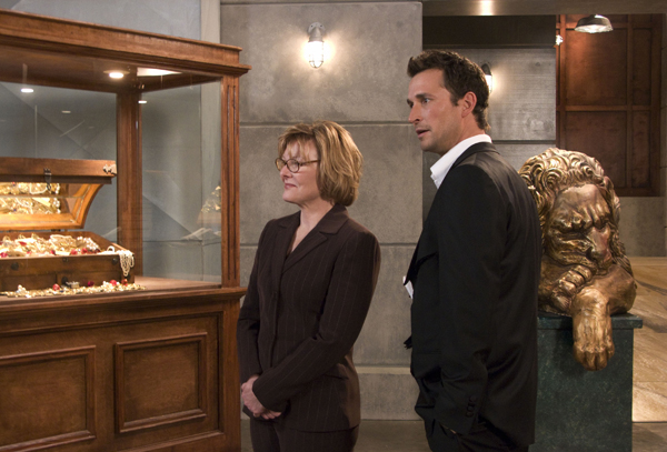 Jane Curtin and Noah Wyle in TNT's The Librarian