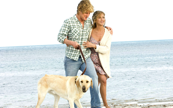 Jen, Owen and Marley take a walk on the beach