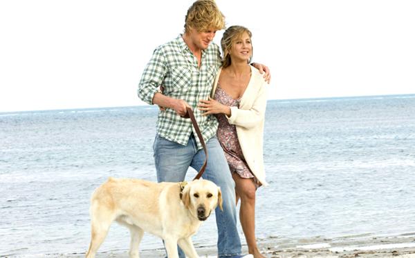 Jen, Owen and Marley take a walk on the beach