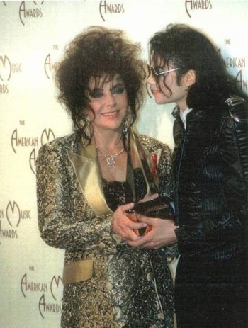 Elizabeth Taylor and her good friend, Michael Jackson