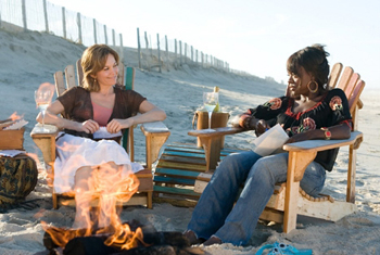 Diane Lane and Viola Davis in Nights in Rodanthe