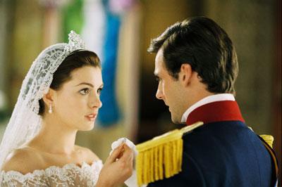 Anne Hathaway in Princess Diaries 2