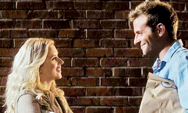 Scarlett and Bradley Cooper contemplate in He's Just Not That Into You