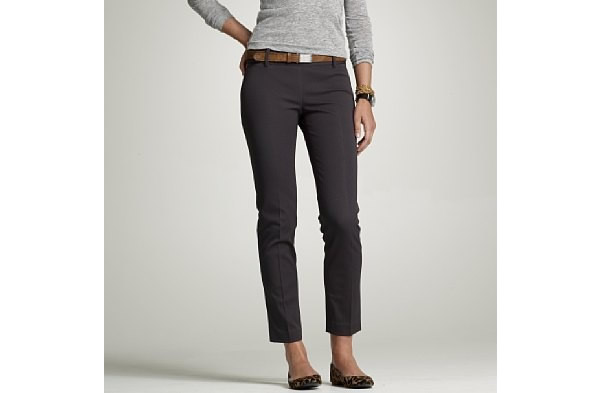 working woman wearing skinny pant