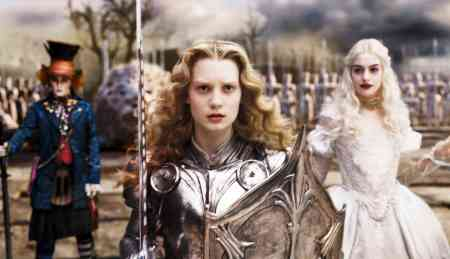 Johnny Depp, Mia K and Anne Hathaway are ready for battle