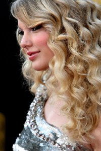 Taylor Swift at the 2008 AMAs