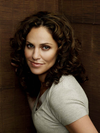 Amy Brenneman chats up Private Practice