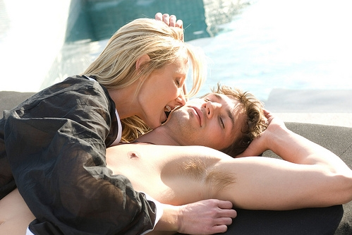 Anne Heche Takes A Bite Out Of Ashton Kutcher