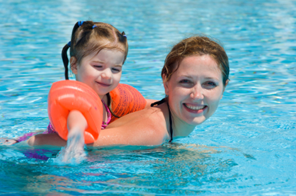 How To Join A Mom And Me Swimming Class