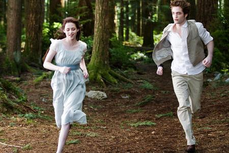 Kristen Stewart and Robert Pattinson go for a run