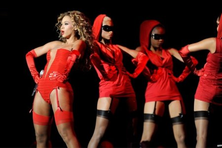 Beyonce rocks MTV Europe Music Awards