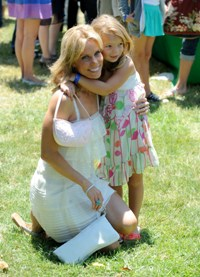 Cheryl Hines and her daughter Catherine