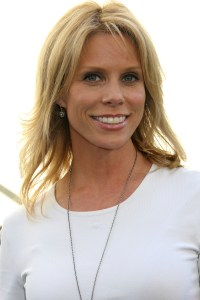 Cheryl Hines finds Serious Moonlight