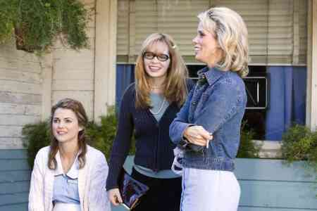 Keri Russell, Adrienne Shelley and Cheryl Hines in 2007's Waitress