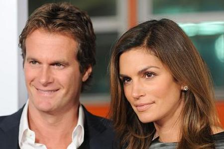 Cindy Crawford is being extorted by a former nanny