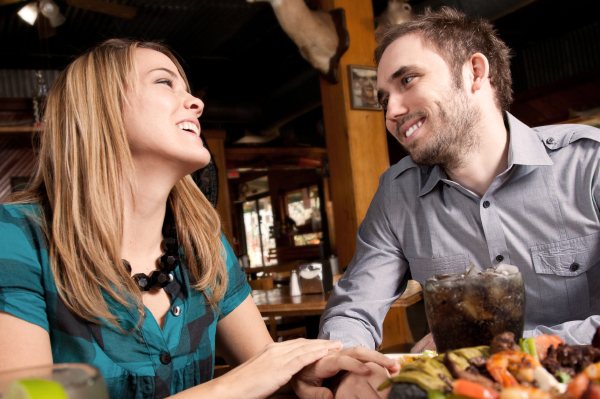 http://cdn.sheknows.com/articles/couple-on-a-date-eating.jpg