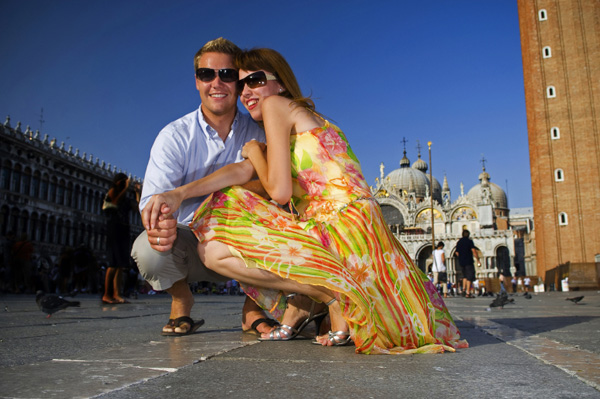 Couple on vacation in Italy