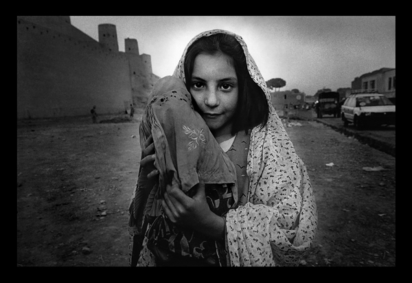 oppression of afghan women Denise zabalaga, a swiss photographer and filmmaker, receives the 'hero' award for traveling alone to afghanistan and witnessing and documenting women's oppression after the fall of the taliban.