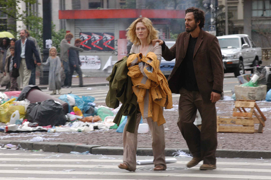 Julianne Moore and Mark Ruffalo try to find their way