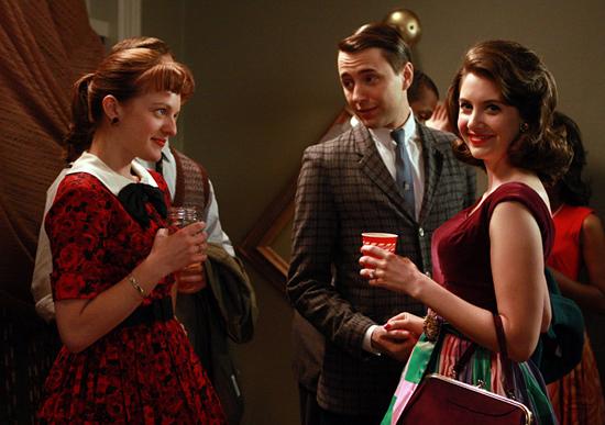 Elizabeth, Vincent and Brie share cocktails