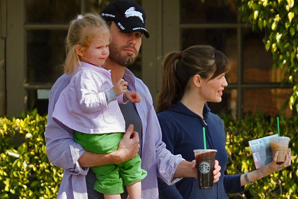 Ben Affleck and Jennifer Garner at Starbucks