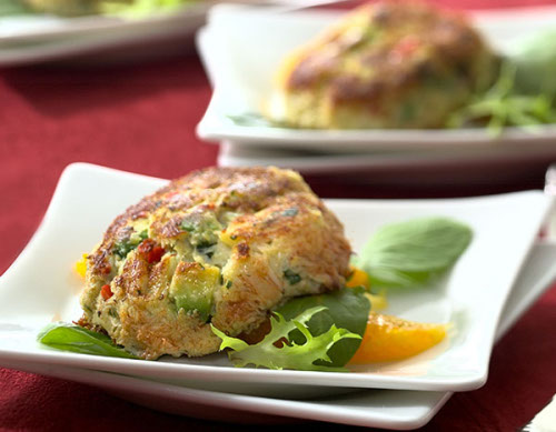 Crab cakes with avocado