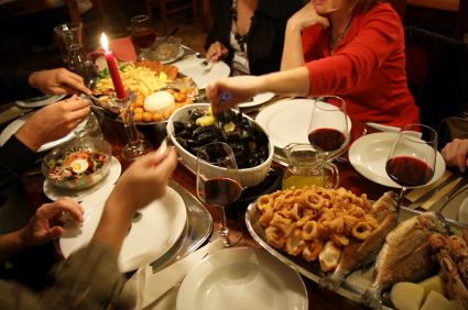 Hosting Dinner Party Amazing With Christmas Dinner Party Friends Photos
