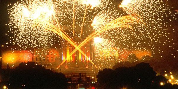 Fireworks blazing over the Philadelphia Museum of Art