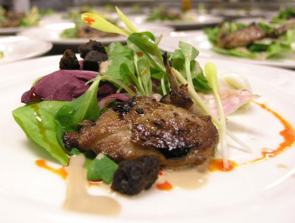 Grilled quail salad