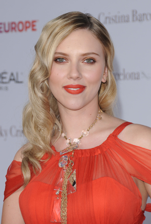 No longer single S carlett Johansson