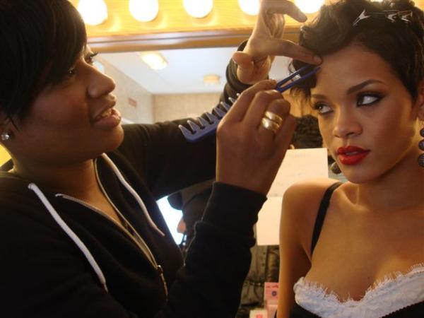 rihanna hair color. Rihanna hair
