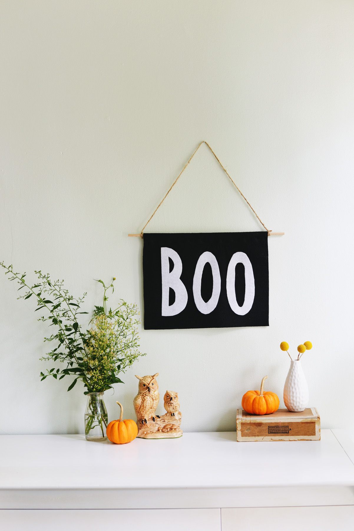 8 Simple steps are all it takes to make this Halloween 'BOO' banner