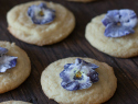 Easy, elegant and edible sugared violets