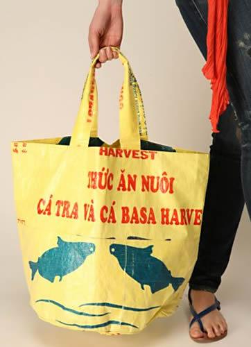 Beach bag ball