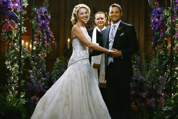 Katherine Heigl dazzles in a wedding dress on last night's Grey's Anatomy