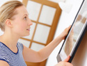 How to hang a picture without hammer and nails
