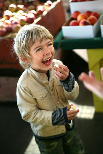 Teach kids to love organic food